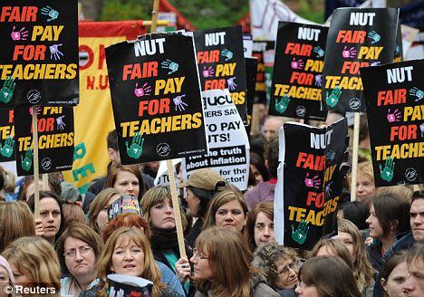 strike - Teaching unions: who needs them?